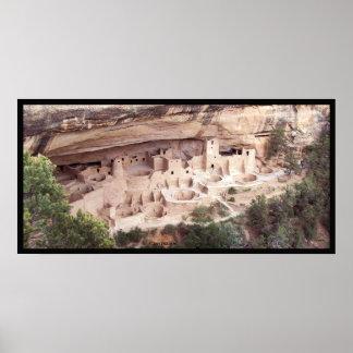 Palacio del acantilado póster