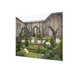 Palacio del arzobispo de Braga con el jardín Lienzo Envuelto Para Galerías