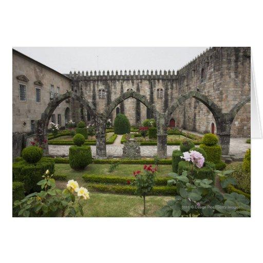 Palacio del arzobispo de Braga con el jardín Felicitación