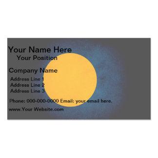 Palau monocromático señala por medio de una bander tarjetas de visita