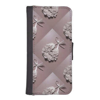 Pale Pink Roses Love Horseshoe Traditional iPhone SE/5/5s Wallet Case