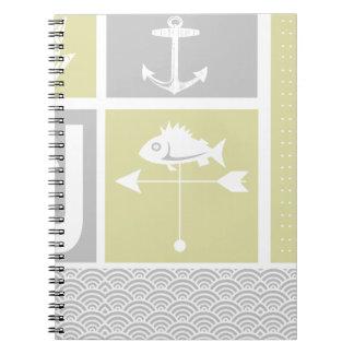 Paleta de tiempo amarilla y gris náutica de los pe libros de apuntes con espiral