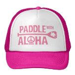 Paleta de Wahine con el gorra del camionero del ro