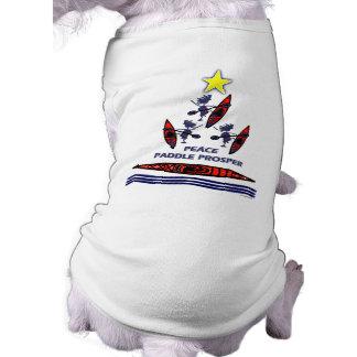 Paleta del día de fiesta del kajak camiseta de perro