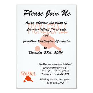 """paleta y bola del pickleball w anaranjado oscuro invitación 5"""" x 7"""""""