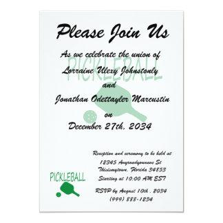 """paleta y bola del pickleball w verdes claras invitación 5"""" x 7"""""""