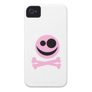 Palidezca - cráneo rosado y bandera pirata. Rosa y iPhone 4 Case-Mate Coberturas