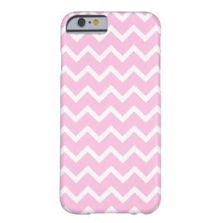 Palidezca - el modelo de zigzag rosado y blanco funda de iPhone 6 barely there