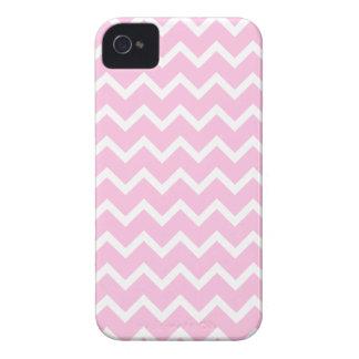 Palidezca - el modelo de zigzag rosado y blanco iPhone 4 Case-Mate protectores