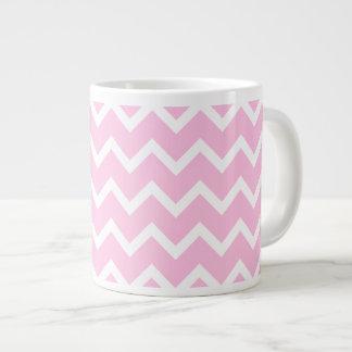 Palidezca - el modelo de zigzag rosado y blanco tazas extra grande