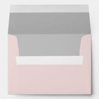 Palidezca - el sobre rosado con el trazador de lín