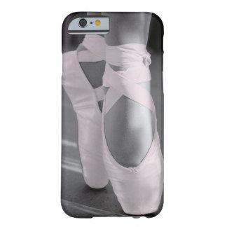 Palidezca - los zapatos de ballet rosados funda para iPhone 6 barely there