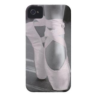Palidezca - los zapatos de ballet rosados iPhone 4 Case-Mate cobertura