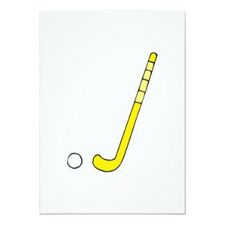 """Palillo amarillo del hockey hierba invitación 5"""" x 7"""""""