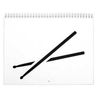 Palillos cruzados calendario de pared
