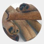 Palillos de canela etiquetas redondas