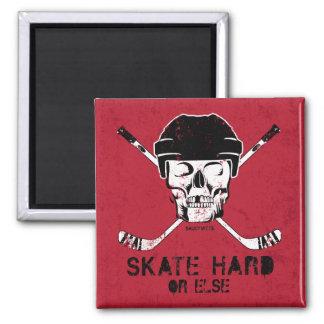 Palillos del cráneo y de la cruz del hockey imán cuadrado