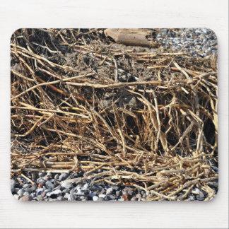 Palillos secos en pequeña textura de los guijarros alfombrillas de ratón