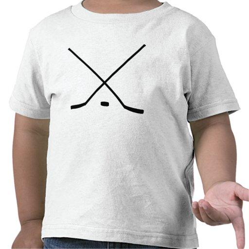 Palillos y duende malicioso de hockey camisetas