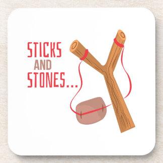 Palillos y piedras posavasos