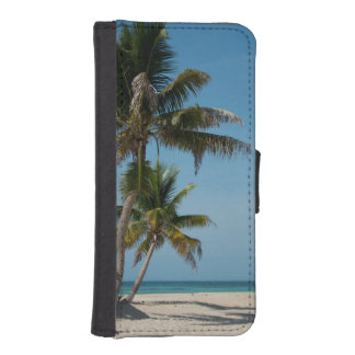 Palm tree and white sand beach iPhone SE/5/5s wallet case