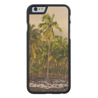 Palm trees, National Historic Park Pu'uhonua o 2 Carved® Maple iPhone 6 Case