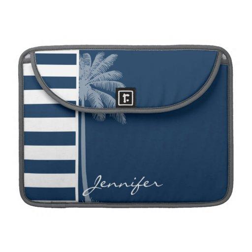 Palma del verano con las rayas azules de medianoch fundas para macbook pro