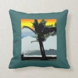 Palma hawaiana y almohada abstracta de la puesta d