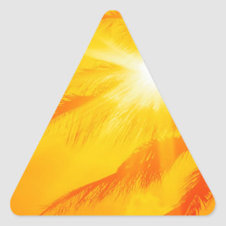 Palma soleada Hawaii del cielo Pegatina Triangular