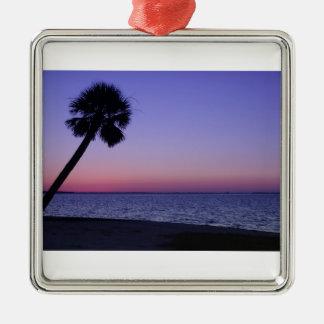 Palma      solitaria en púrpura ornamentos de reyes magos