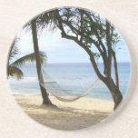 Palma tropical del cielo de Sun de la arena del ag Posavasos Personalizados