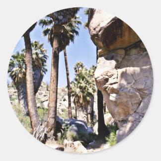 Palmas de fan de California, oasis perdido de las Pegatina Redonda