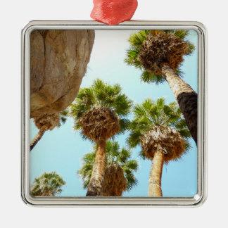 Palmas del oasis en parque nacional de la yuca adorno navideño cuadrado de metal