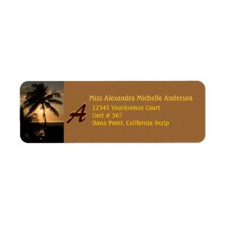 Palmera de la puesta del sol de Gold Coast con el  Etiquetas De Remite