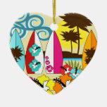 Palmera de las tablas hawaianas de la playa del ornatos