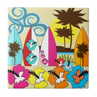 Palmera de las tablas hawaianas de la playa del oc azulejo cuadrado pequeño