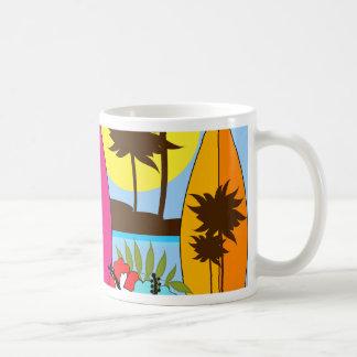 Palmera de las tablas hawaianas de la playa del taza clásica