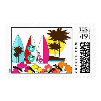 Palmera de las tablas hawaianas de la playa del timbre postal