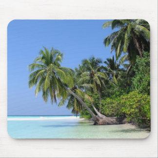 Palmera en los Maldivas Mousepad