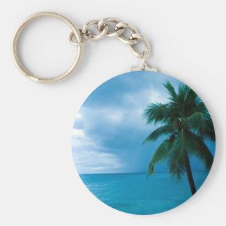 palmera y océano llavero redondo tipo pin