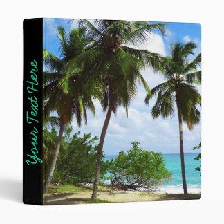 Palmeras en carpeta tropical del paisaje marino