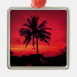 Palmeras exóticas de la puesta del sol hawaiana adorno navideño cuadrado de metal