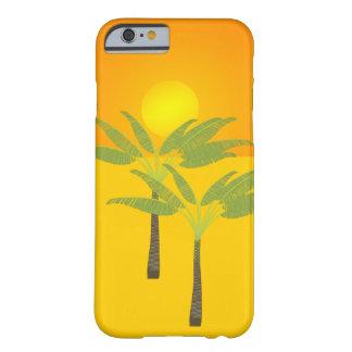 Palmeras tropicales de la playa de la puesta del funda de iPhone 6 barely there