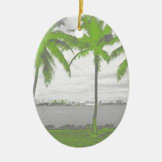 Palmeras verde de Miami, la Florida Adorno Ovalado De Cerámica