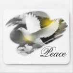 Paloma de la paz tapetes de ratón