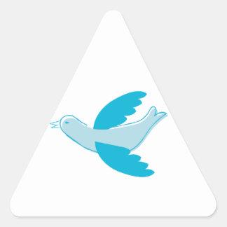 Paloma del azul de cielo pegatina triangular