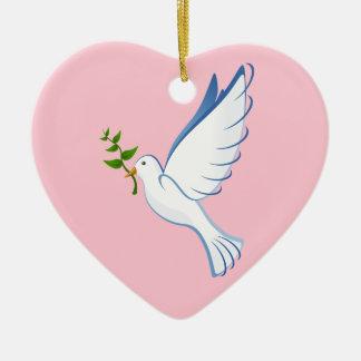 Paloma del blanco adorno de cerámica en forma de corazón
