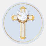 Paloma y cruz pegatina redonda