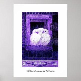 PALOMAS BLANCAS EN LA VENTANA, púrpura azul Póster