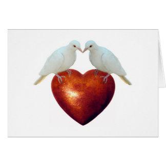 Palomas en corazón tarjeta de felicitación
